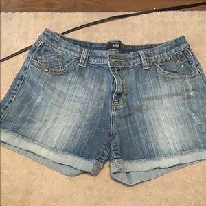 Cute a.n.a. jean shorts!